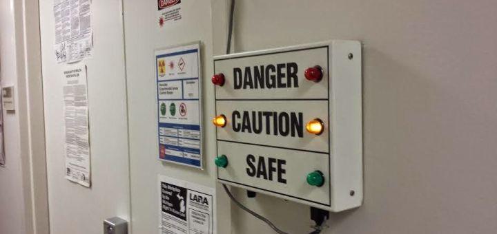blue - Señal de peligro controlada por Bluetooth y Arduino