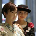 Los robots humanoides de Toshiba ya trabajan en tiendas en Japón