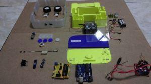arduino-roomba-300x168 Un robot de limpieza creado con Arduino e impreso en 3d