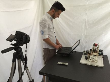 robot arduino 300x225 - Brazo robotico con Arduino controlado por la voz
