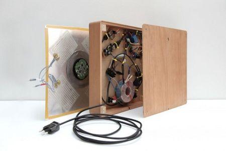 spira arduino2 450x300 - Spira, la manera más original para cargar tu Iphone con Arduino