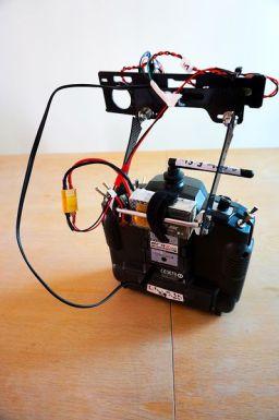 mimic-arduino3-299x450 Controla el vuelo y la cámara de tu dron mediante gestos gracias a Arduino
