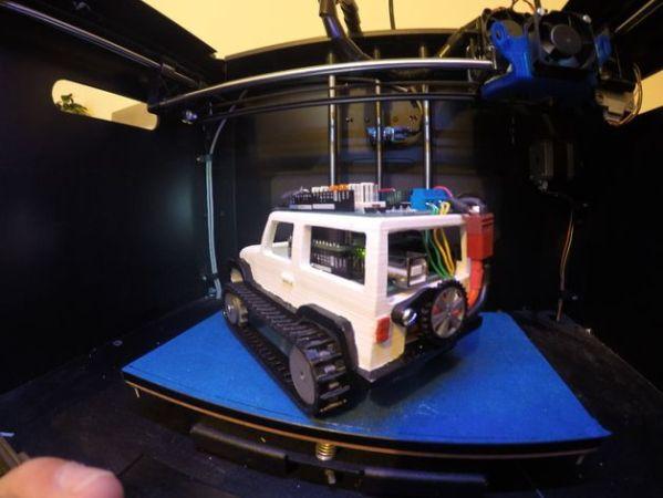 jeep arduino 599x450 - Arduino controla este jeep de control remoto impreso en 3D
