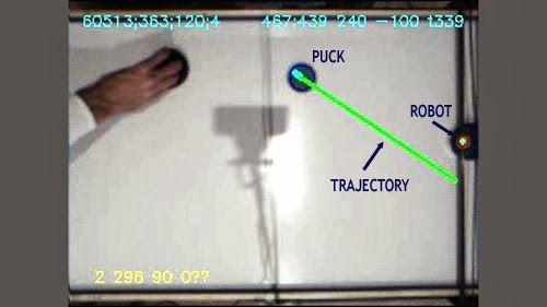 trajecroty Juega al Air Hockey contra este robot controlado por Arduino