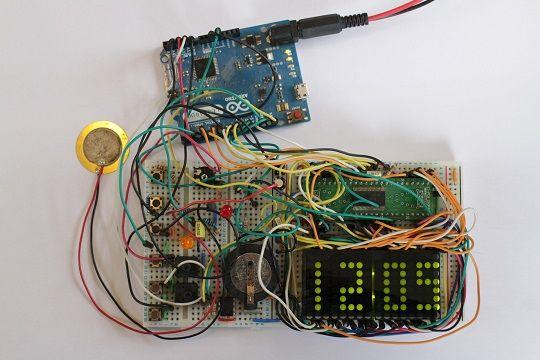 reloj-matrix2 Un reloj a lo Matrix con Arduino