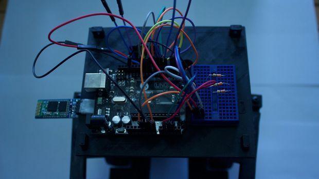 cerebro robot2 - WireBeings, robots de código abierto y Arduino impresos en 3D
