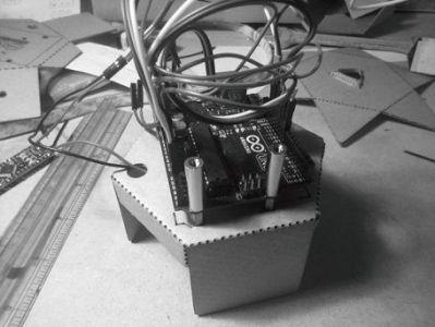 caleiduino1 Caleiduino, un caleidoscopio digital sonoro e interactivo