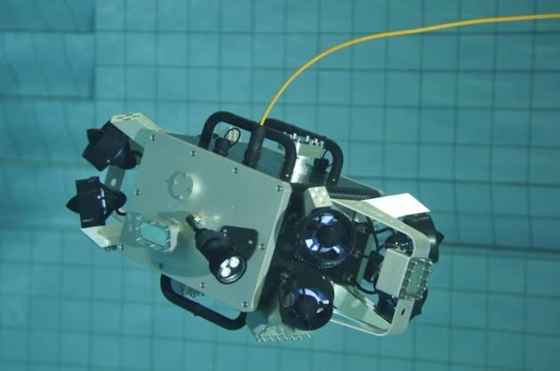 scubo3-678x450 Scubo, un robot submarino con autonomía de 2 horas