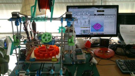 fabricatufabrica2 Fabrica tu propia mini fábrica de hardware abierto