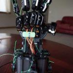 Aprende robótica y programación con esta mano robótica