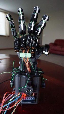 mano-robotica-253x450 Aprende robótica y programación con esta mano robótica