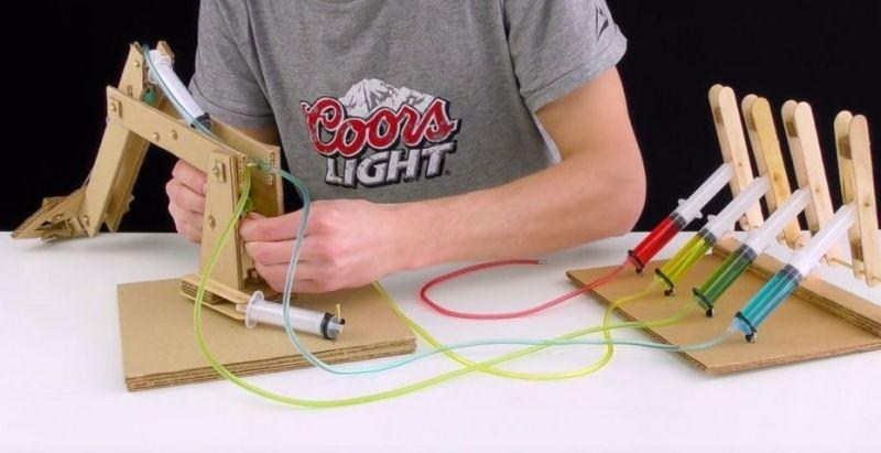 carton-800x411 Cómo construir un brazo robot totalmente funcional con cartón