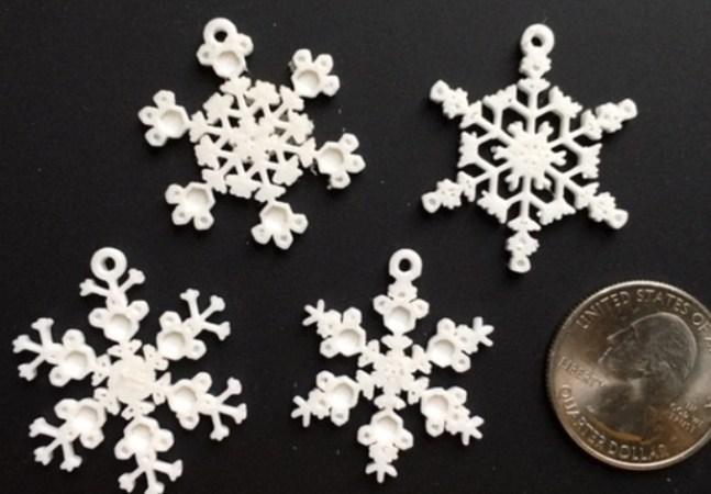 copos de nieve en 3D 647x450 - 11 proyectos para imprimir en 3D para decorar tu casa en Navidad