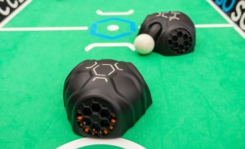 futbolin de robots - RoboSoccer utiliza robots para jugar al fútbol