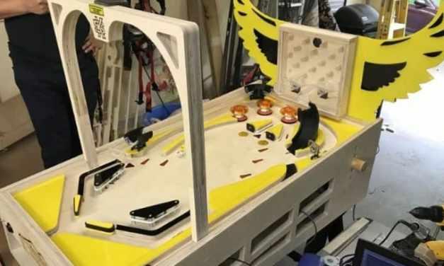Una máquina de Autopinball DIY que juega automáticamente