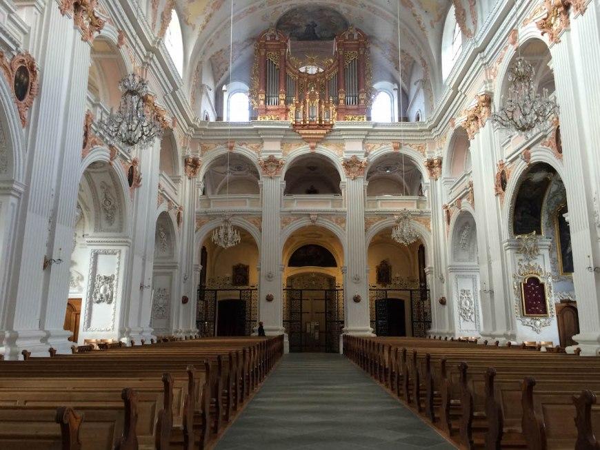 Interior de la iglesia Jesuitenkirche.
