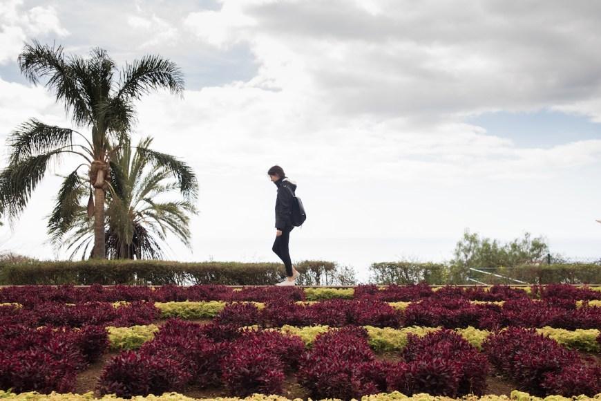 Anna en el Jardín Botánico de Funchal en Madeira