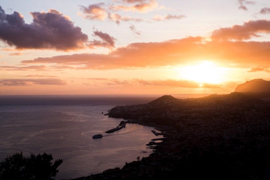 Atardecer des del Mirador das Neves de Funchal en Madeira