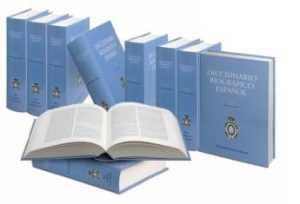 Algunos tomos del 'Diccionario biográfico español'.