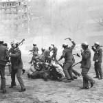 Carga policial en Barcelona. 1976. Manuel Armengol. manelarmengol.com