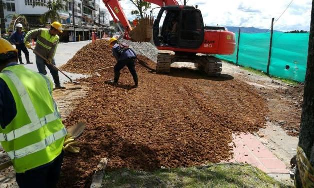 Obras de la separación de aguas lluvias y residuales afectan la dinámica económica de Comerciantes