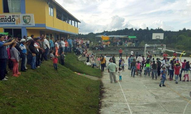 Fiesta del campesino integración del sector rural de Guatapé