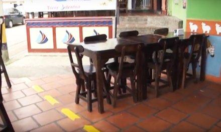 Anuncios desde la dirección de espacio público de Guatapé