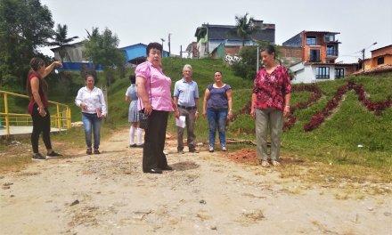 Habitante del sector la cancha protestaron por ejecución de obras en la unidad deportiva