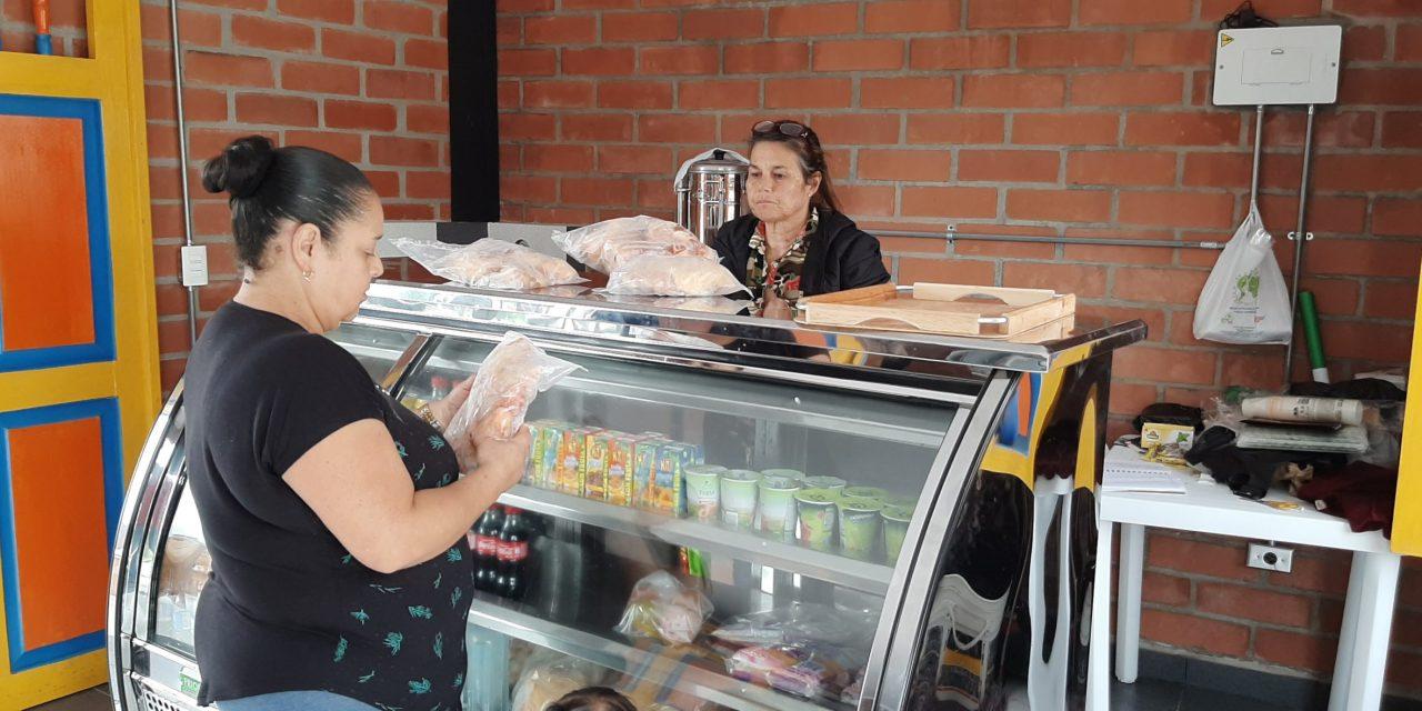Ya está en servicio el centro de acopio con productos del municipio