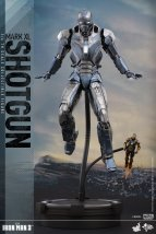 Hot-Toys-Iron-Man-3-Shotgun-Mark-XL-Collectible-Figure_PR6