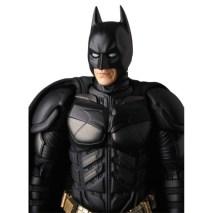 Medicom-MAFEX-The-Dark-Knight-Rise-Batman-Version-3-04