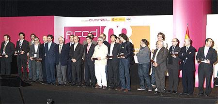 Foto de familia de los premiados en FICOD 2008