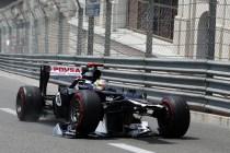 Maldonado arrastrando su alerón delantero