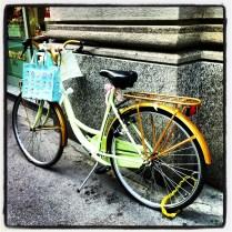 Bicicleta a la entrada de Ladurée