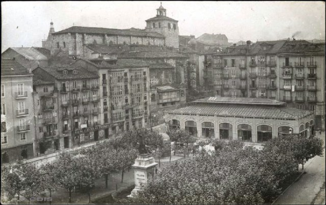 Plaza de la Dársena (1900).jpg
