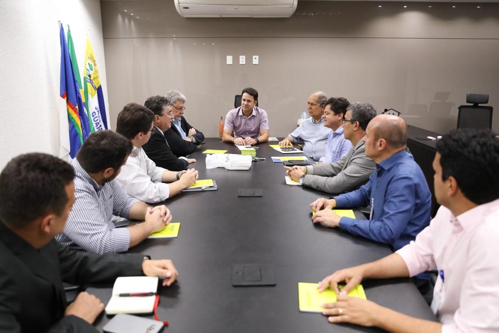 Prefeito Anderson Ferreira recebe diretores da Sequoia Logístic