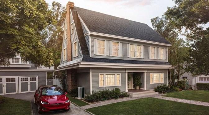 Telhas solares da Tesla é mais barato do que um telhado convencional