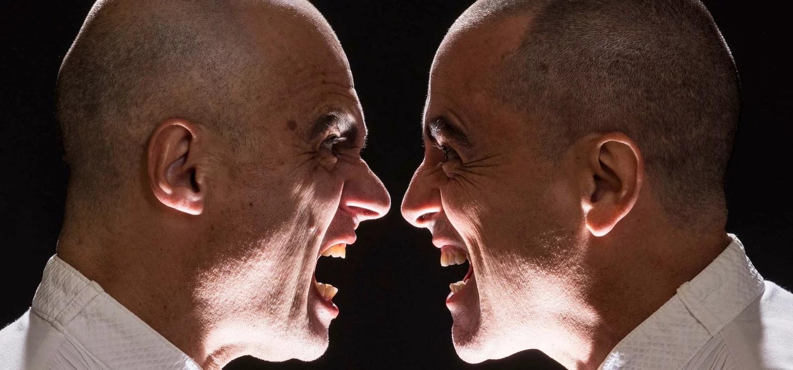 "Espetáculo ""Voltaire Rousseau"" discute a ideologia entre dois grandes filósofos da história"