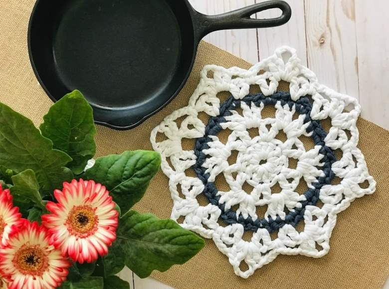 crochet trivet gift idea