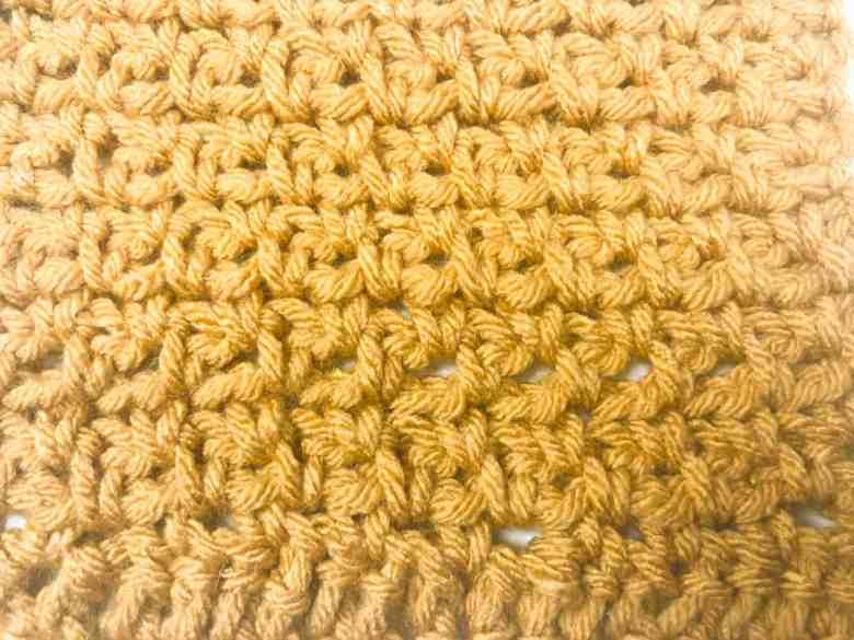 crochet moss stitch closeup