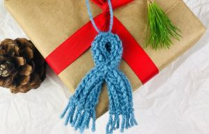 Free Crochet Mini Scarf Pattern for Ornaments and Decor