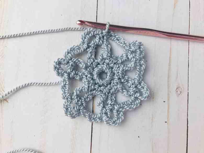 flocon de neige au crochet rond 3 fini