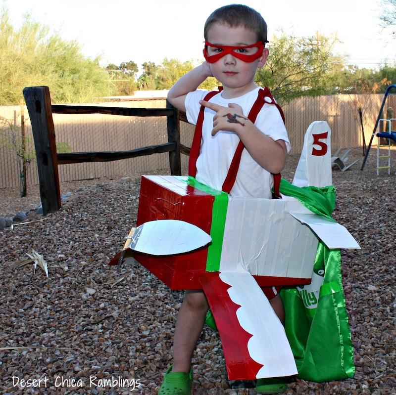 El Chupacabra Airplane Costume