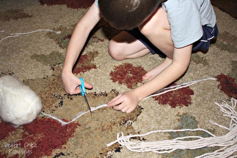 Cut Equal lengths of yarn stick horse hair