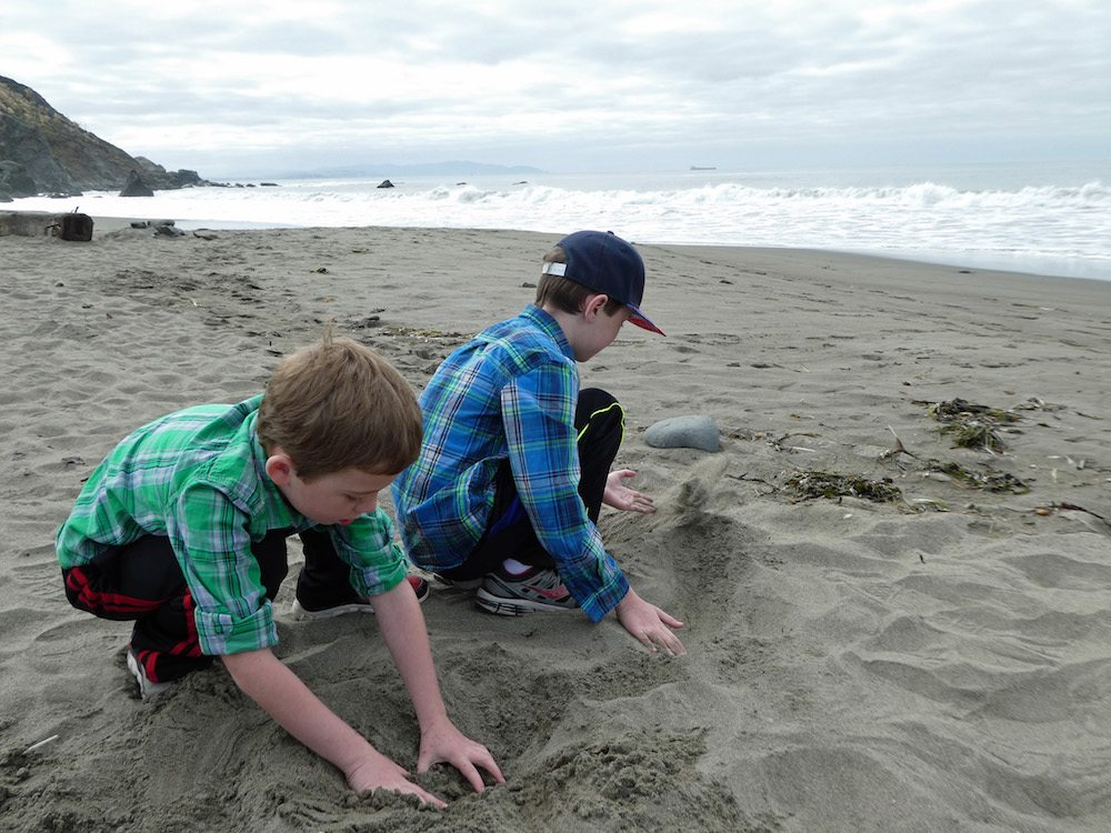 playing-on-muir-beach