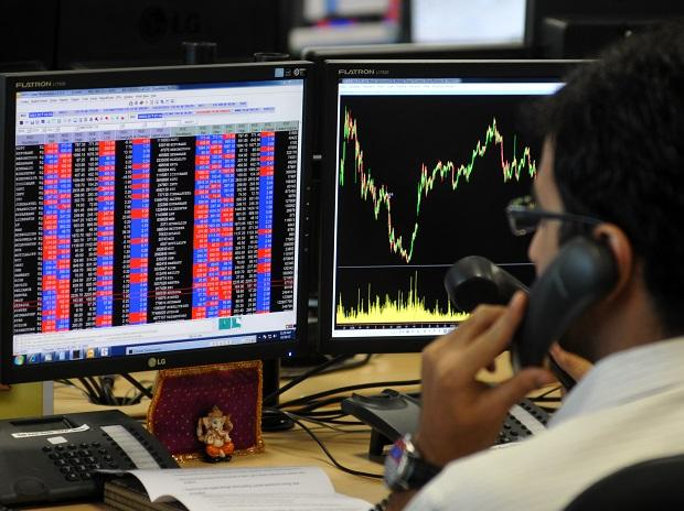 MARKET LIVE: SGX Nifty skids 100 pts; RIL, ICICI Bank, ITC in focus