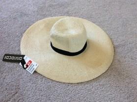H&M Hat 3$ (RP15$)