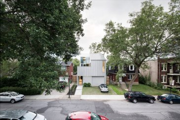 Holy Cross House by TBA / Thomas Balaban Architecte