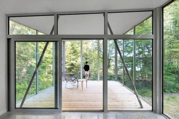 House on Lac Grenier by Paul Bernier Architecte