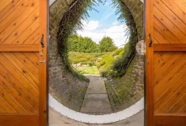 underhill-hobbit-hole-4.png